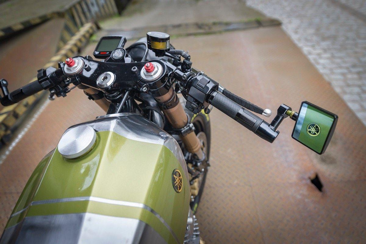 Yamaha Virago XV920 Cafe Racer - Gas tank and handlebar